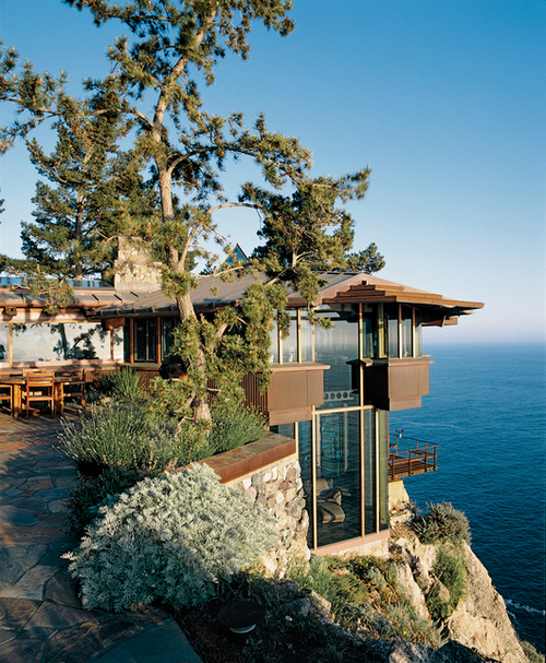 Cliff-Top Ocean Home, Big Sur, California