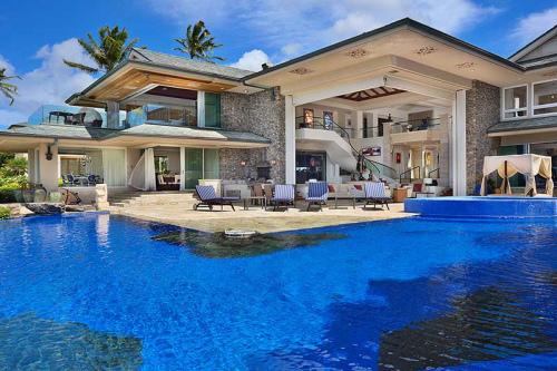 Amazing pools photo on sunsurfer - Dream interpretation swimming pool ...