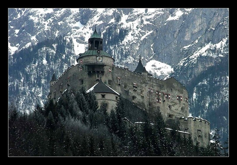 Burg Hohenwerfen, Austria photo on Sunsurfer