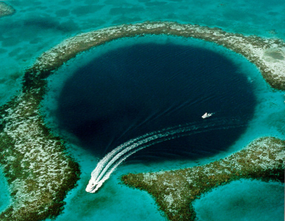 The Great Blue Hole, Ambergris Caye, Belize