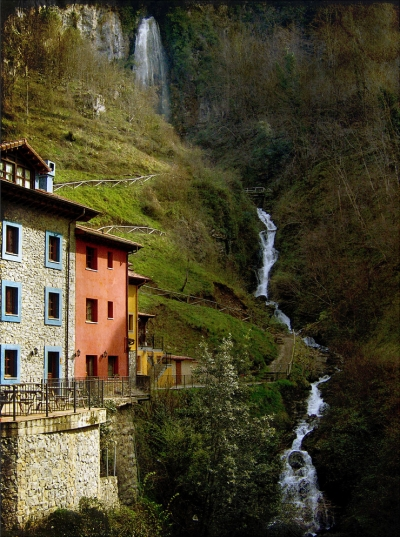 Waterfalling, Asturias, Spain