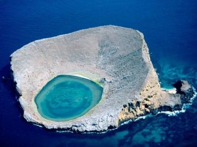 Blue Lagoon, Rocas Bainbridge, Galapagos