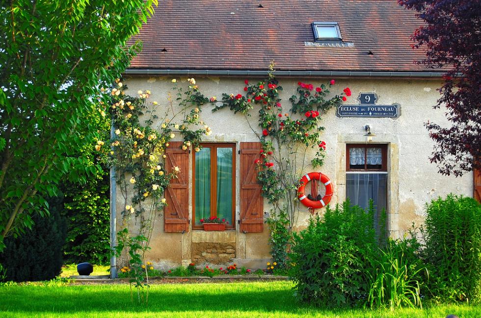 Vandenesse-en-Auxois, Canal de Bourgogne, France