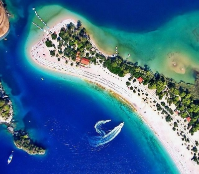 Oludeniz Lagoon, Fethiye, Turkey