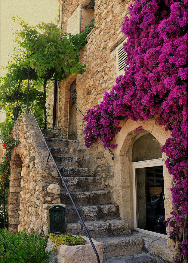 Saint Paul de Vence, France photo on Sunsurfer