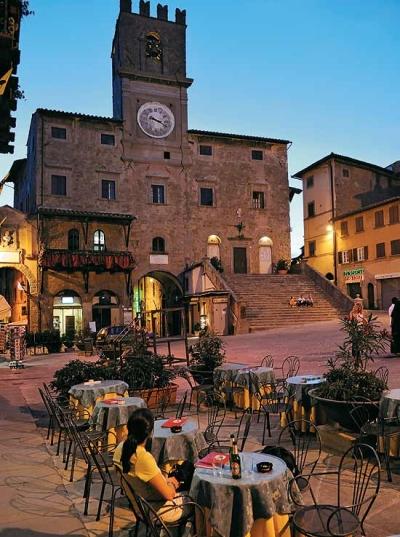 Piazza del Republica, Cortina, Tuscany, Italy