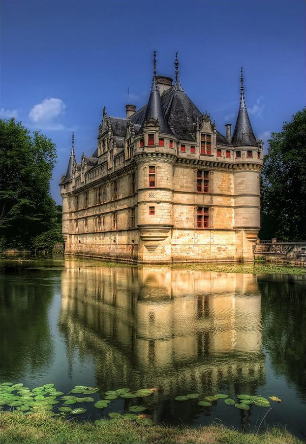 1000 images about castles and palaces ll on pinterest castles medieval castle and spanish - Code postal azay le rideau ...
