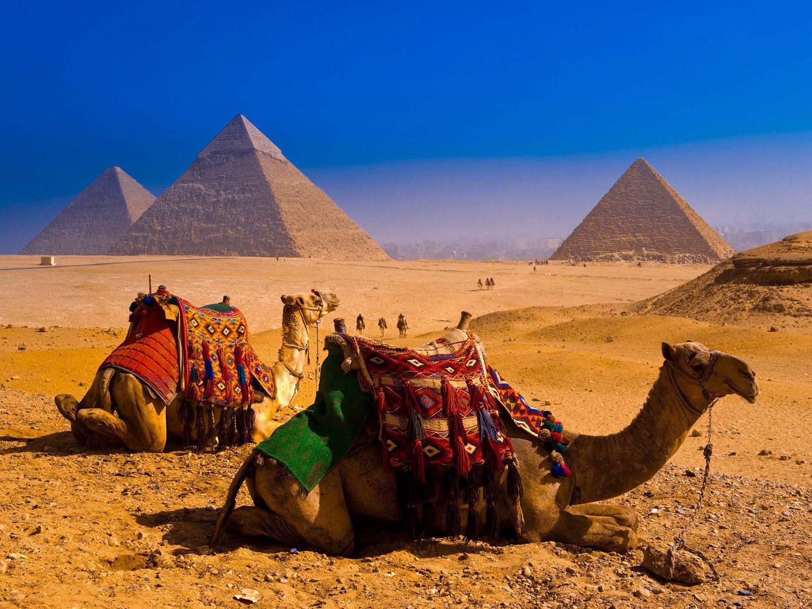 Giza Plateau, Egypt photo on Sunsurfer: sun-surfer.com/giza-plateau-egypt-6601.html