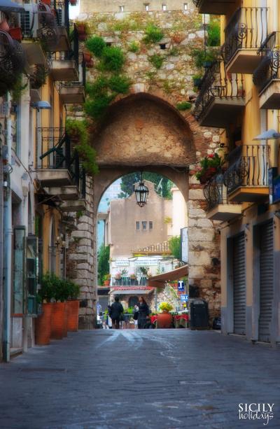Porta Catania, Taormina, Sicily