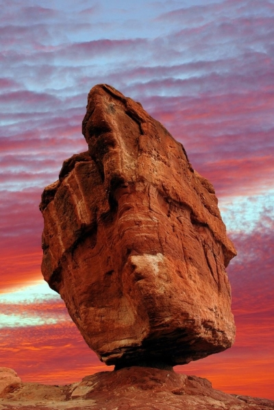 Balanced Rock in the Garden of the Gods, Colorado Springs