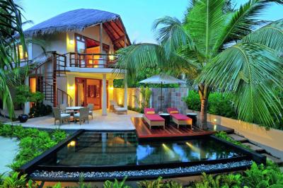 Infinity pool, Alifu Alifu Atoll, Maldives