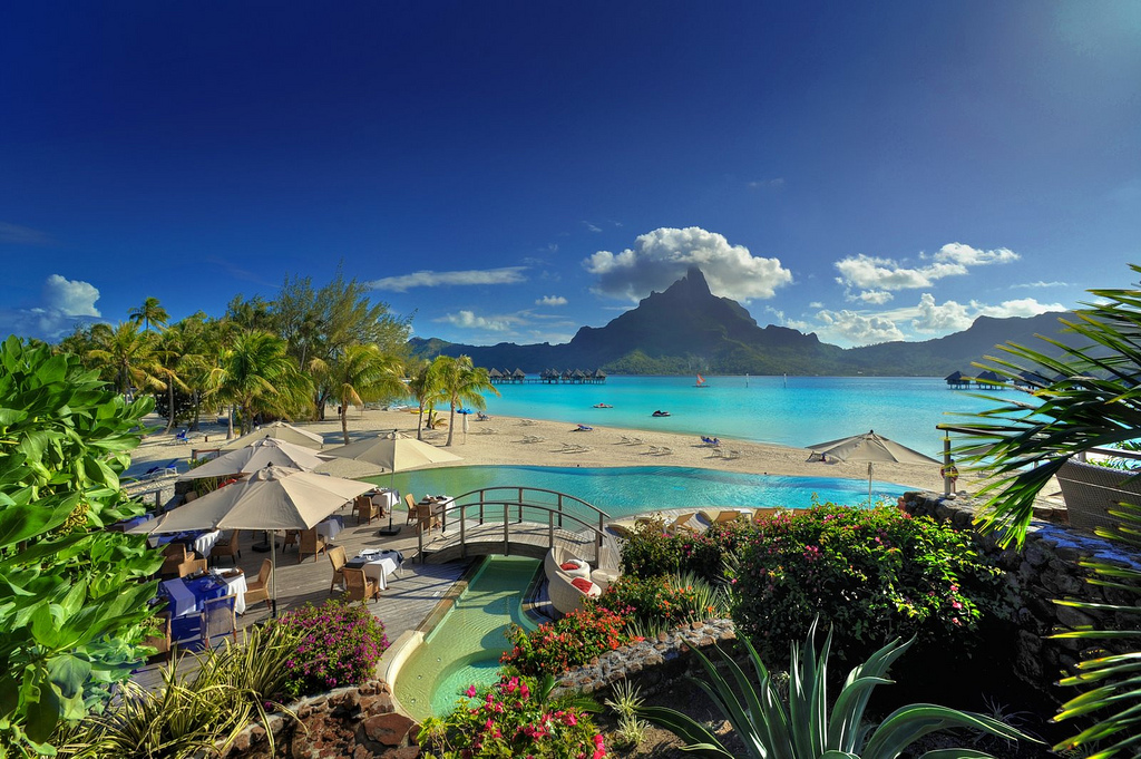 Hd Tropical Island Beach Paradise Wallpapers And Backgrounds: Le Méridien Bora Bora, French Polynesia Photo On Sunsurfer
