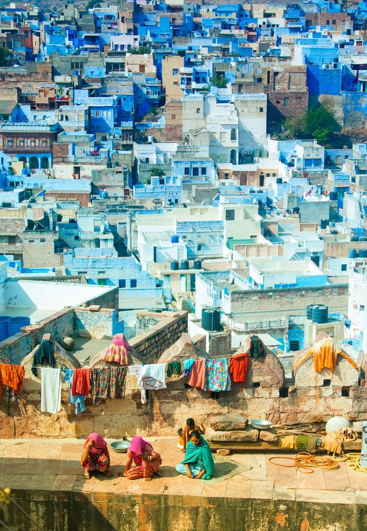 Life on the walls in Jodhpur, India