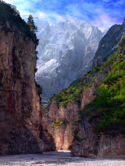 Val di Fonda view to Mount Cristallo, Italy