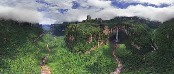 Churun-meru (Dragon) Waterfall, Venezuela