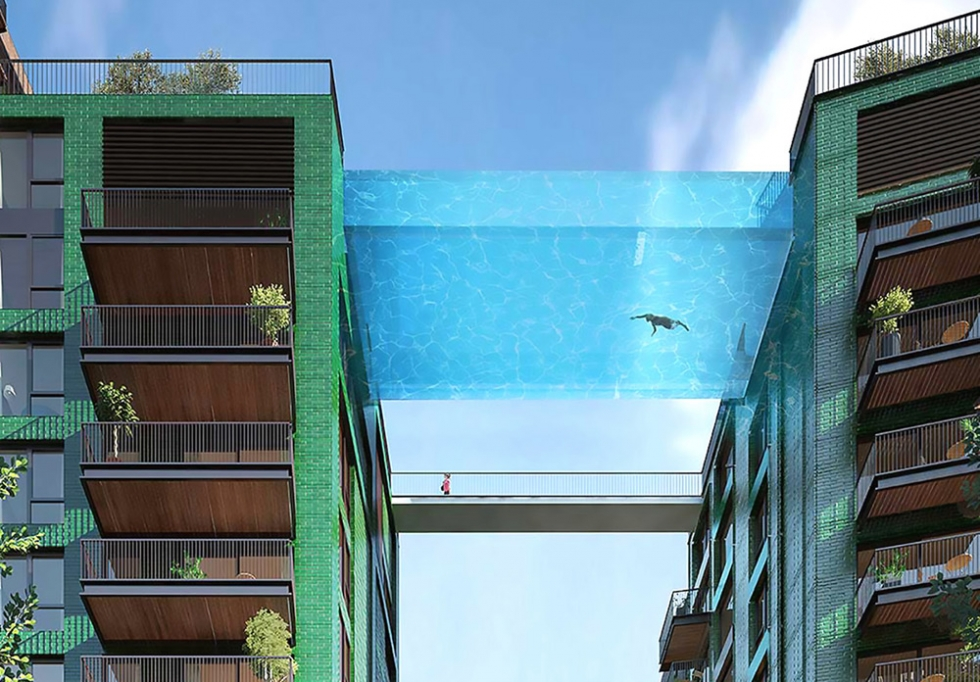 Glass-bottomed sky pool, London