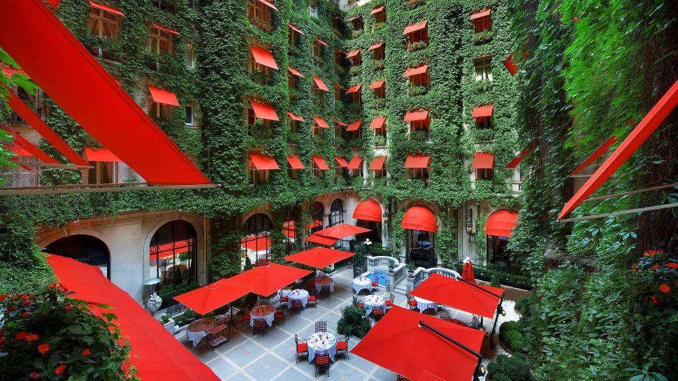 Hotel Plaza Athenee Paris